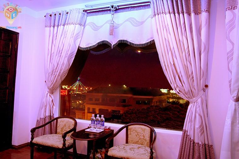 Phòng deluxe nhìn cảnh thành phố