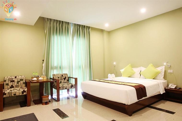 Phòng deluxe 1 giường đôi hướng biển