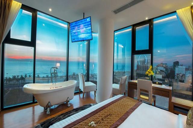 King Spa Hollywood Luxury