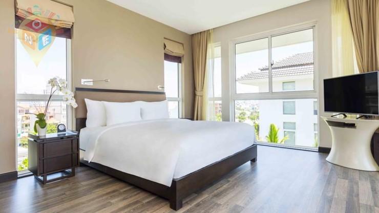 Biệt thự 3 Phòng ngủ Nhìn ra Vườn