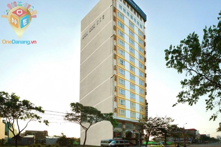 Khách sạn Jay Grand