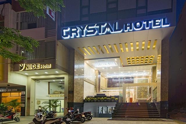 Khách sạn Crystal
