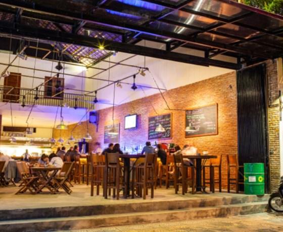 Luna Pub - Trần Phú