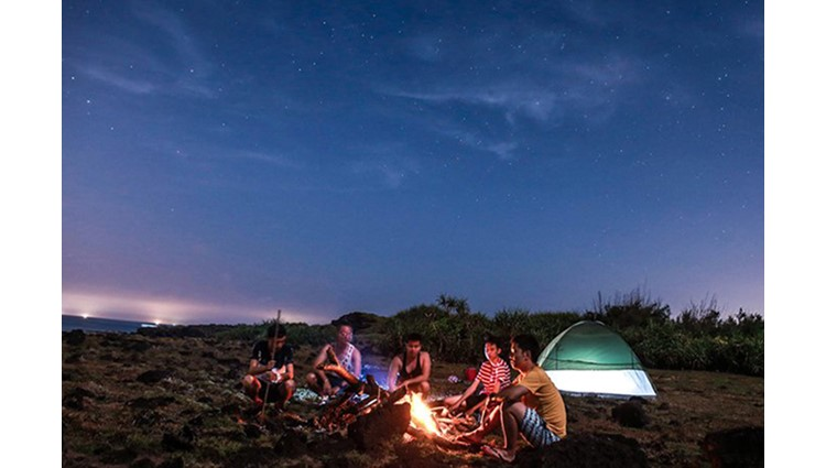 Cắm trại đêm, đón bình minh trên miệng núi lửa ở đảo bé Lý Sơn