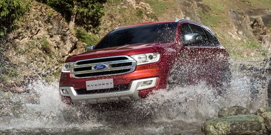 Ford Everest VS Mitsubishi Pajero Sport