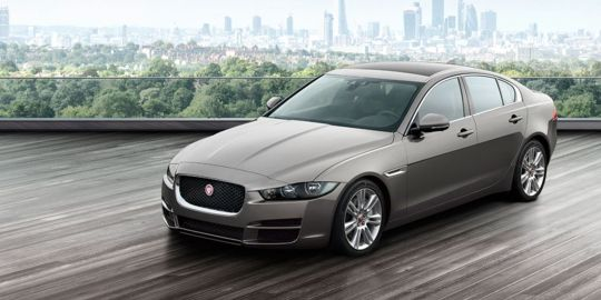 Jaguar XE  VS BMW 3 Series Gran Turismo