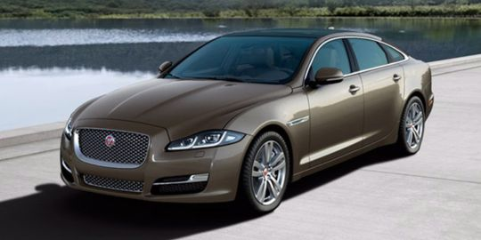 Jaguar XJ VS Rolls Royce Phantom