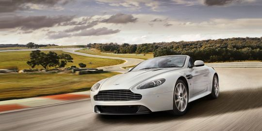 Aston Martin Vantage VS BMW 6 Series Coupe