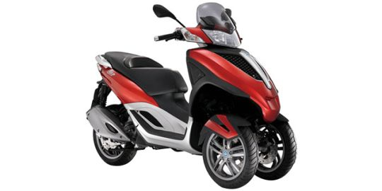Piaggio MP3 Yourban VS Suzuki Burgman 200