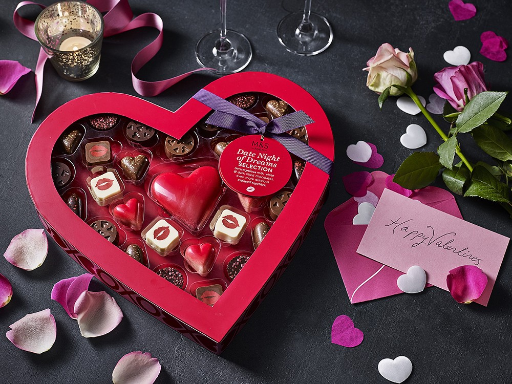 MARKS & SPENCER Date Night of Dreams Selection Box 情人節精選軟心朱古力