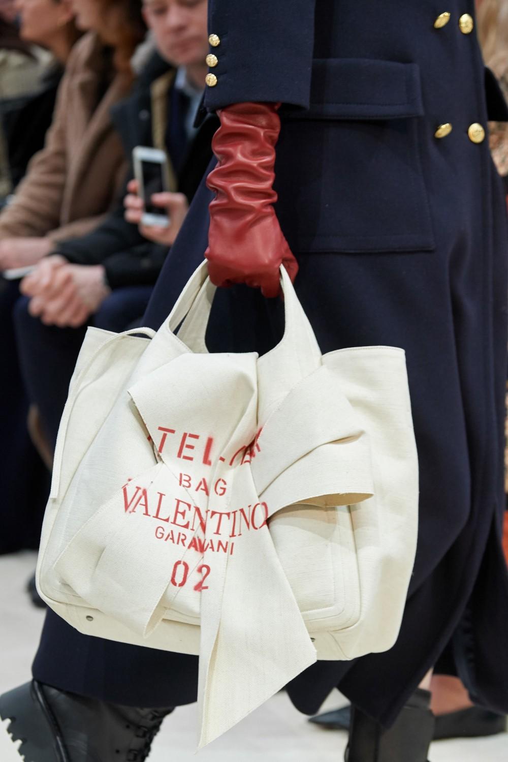 【巴黎時裝週】Valentino的細膩情感!Pierpaolo Piccioli再次突破種族和性別界限!