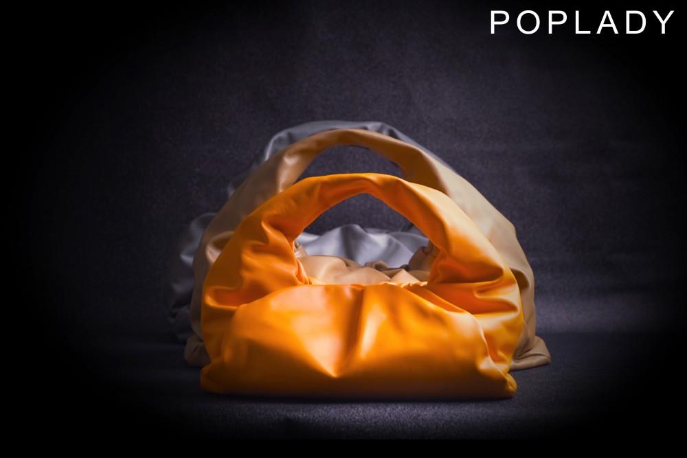 【編輯精選】Bottega Veneta的低調沉穩!The Shoulder Pouch系列重新定義何謂奢華!