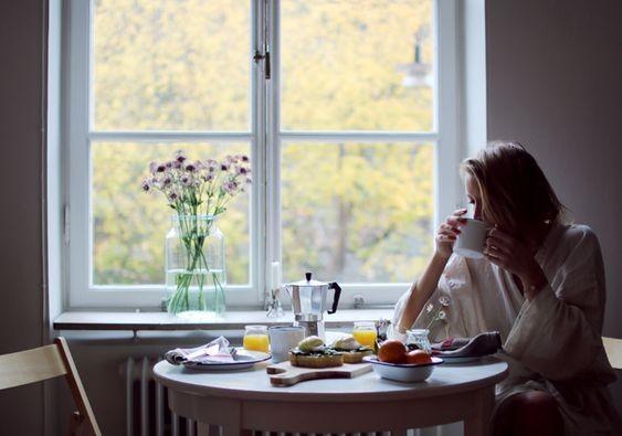 【胃酸倒流】職場人通病!嚴重者或影響牙齒咽喉 必須改掉久坐速食等4個習慣