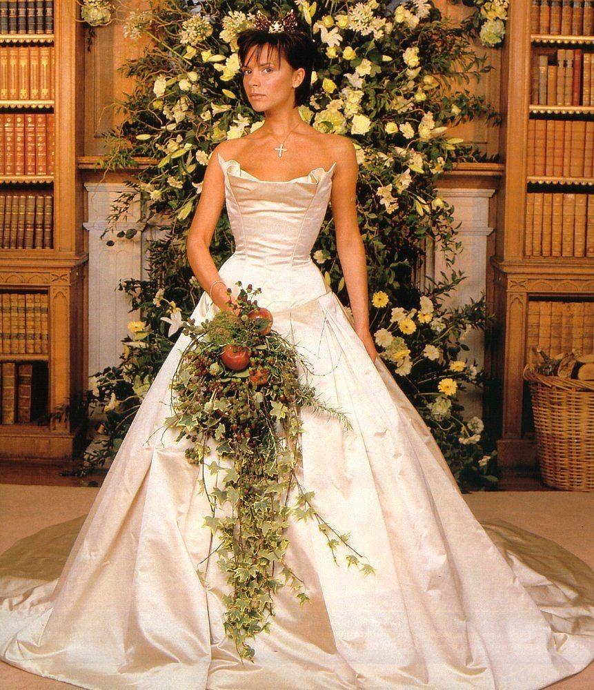 王薇薇如何從失敗找到真正的人生?七十歲的「婚紗女王」依然能夠踏上輝煌之路!