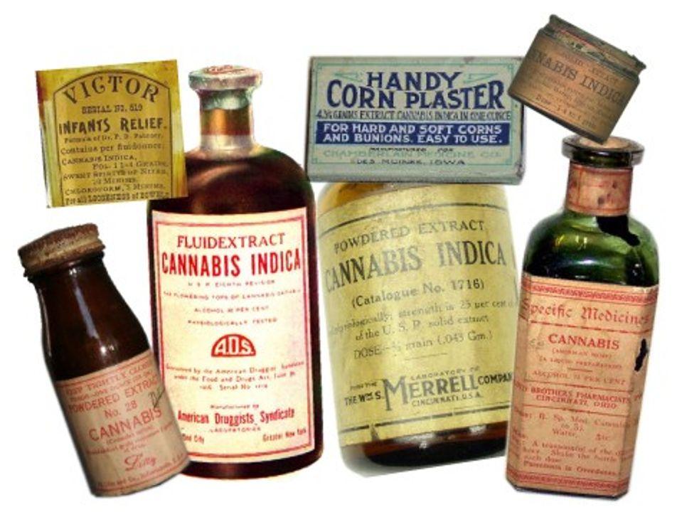 Những chai thuốc được chế từ cần sa để trị đau bụng (cuối thế kỉ 19)
