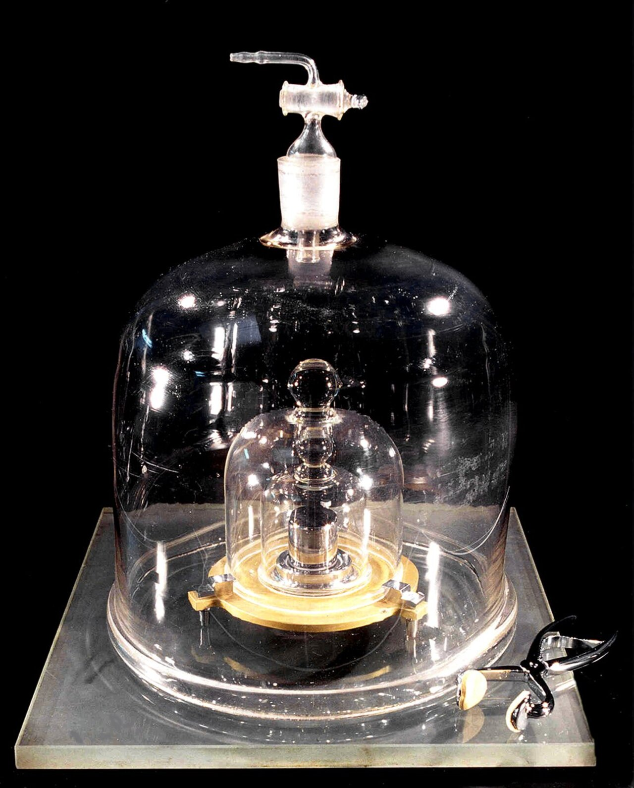 Quy chuẩn 1 kilogram (nguồn: NIST)