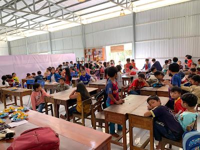 <i>Lớp học của Ranvi Academy, xã Lăng, huyện Tây Giang, tình Quảng Nam.</i>