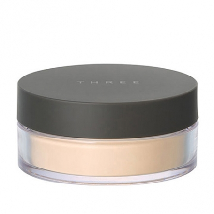 THREE Ultimate Diaphanous Loose Powder