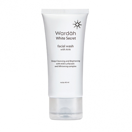 White Secret Facial Wash with AHA