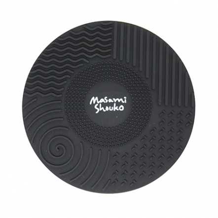 Masami Shouko Black Brush Cleansing Mat with Suction