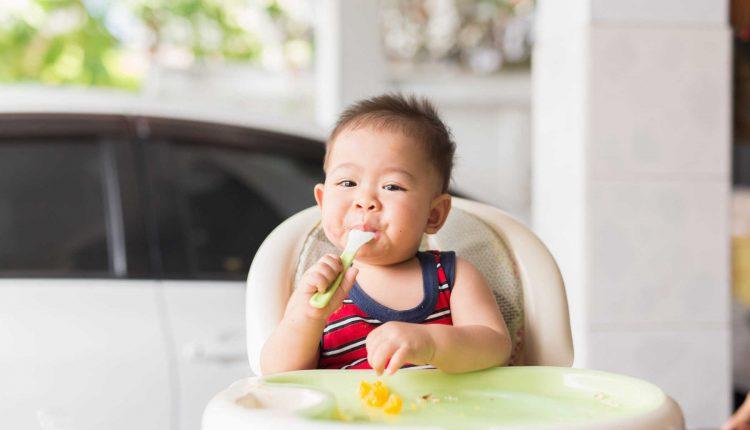 Cha mẹ nên làm gì khi trẻ bị biếng ăn?