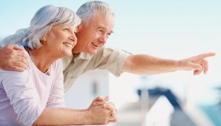 Các bệnh về mắt thường gặp ở người già