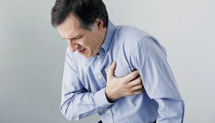 Công việc bàn giấy làm tăng nguy cơ mắc bệnh tim