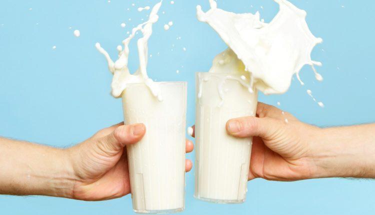 Nên uống sữa vào thời gian nào là tốt nhất?