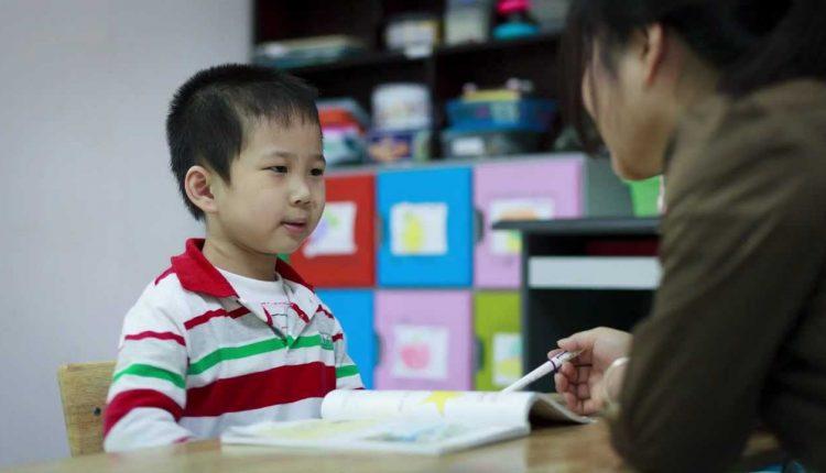 Dấu hiệu phát hiện bệnh tự kỷ sớm ở trẻ