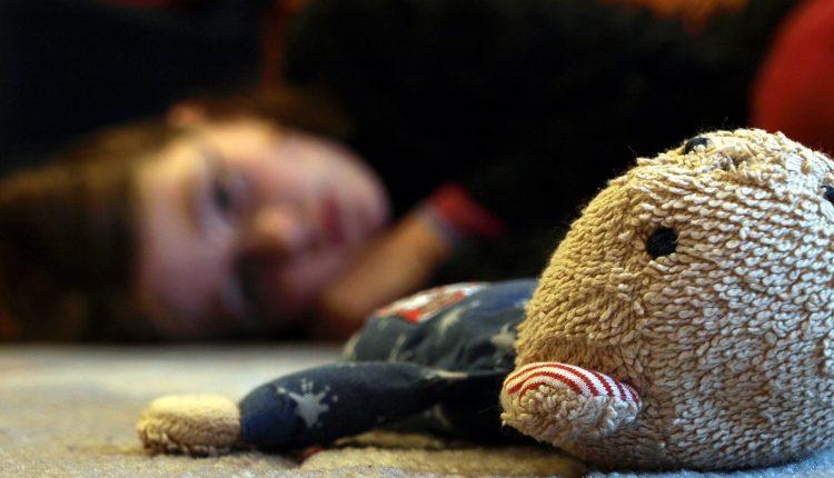 8 sai lầm của bố mẹ đẩy con vào vòng nguy hiểm