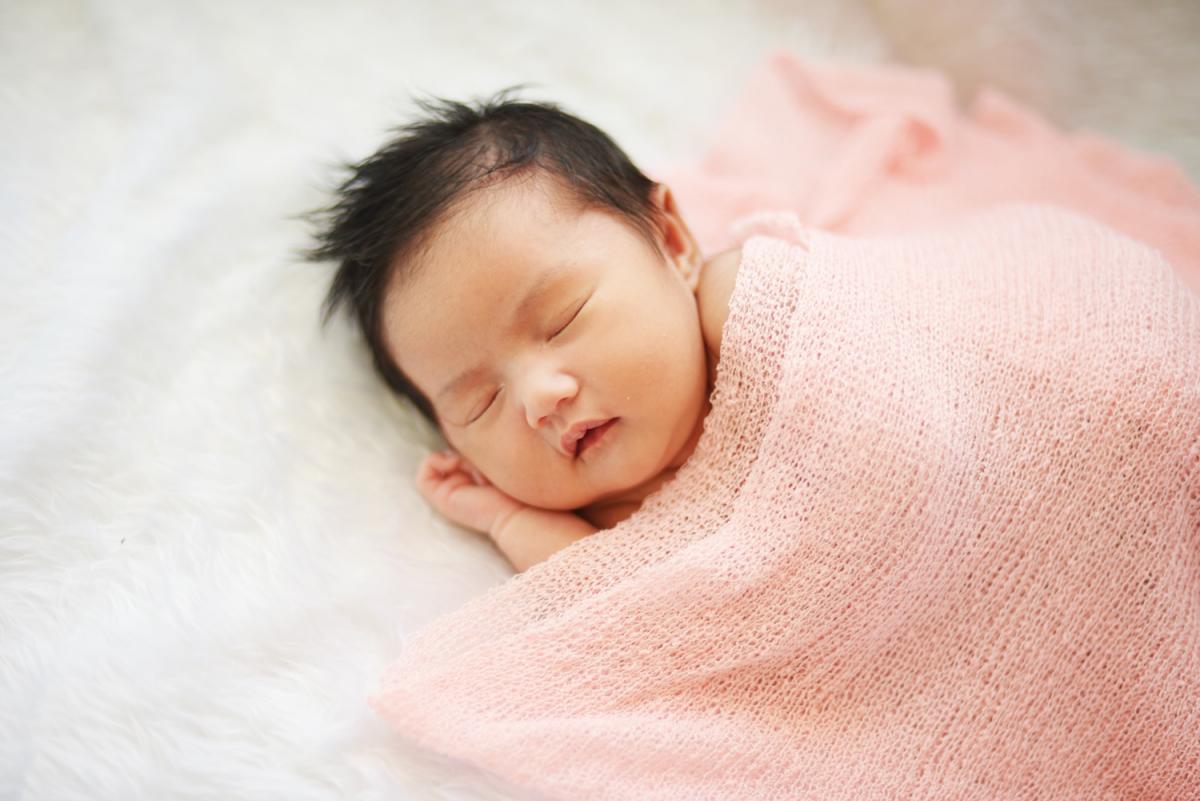 Rửa mũi cho trẻ sơ sinh, mẹ có đang làm đúng?