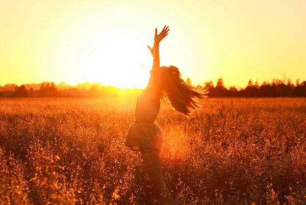 Ánh nắng và sức khỏe lợi ích & tác hại