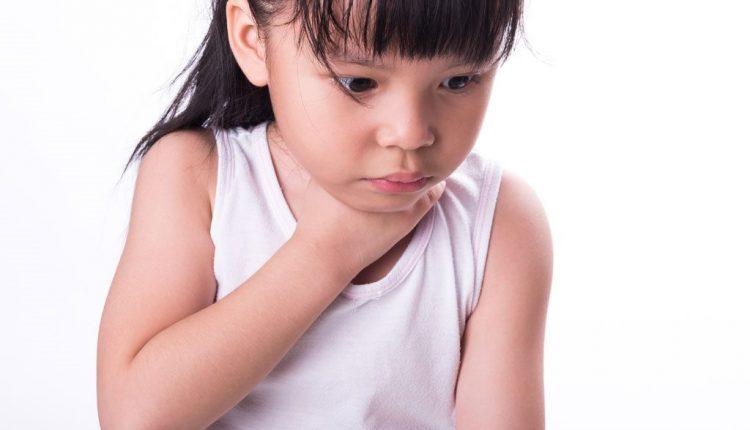 Xử trí nhanh khi trẻ hóc dị vật đường thở