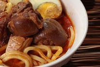 Prawn Mee Soup with Braised Spare Ribs