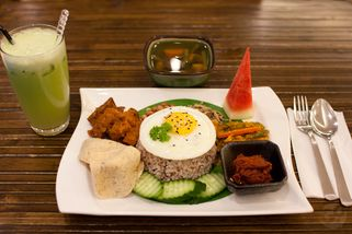 Simple Life Healthy Vegetarian Restaurant