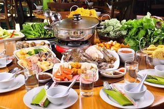 D'Kayangan BBQ Steamboat Buffet