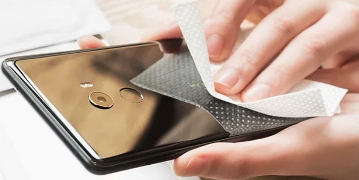 Keep Your Smartphone Clean