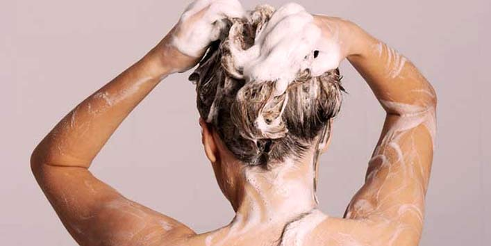 Detox your hair using baking soda