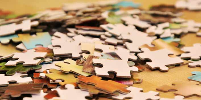 Keep puzzle pieces together