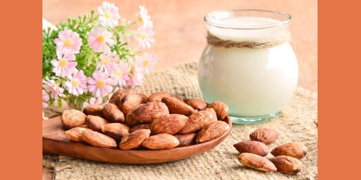 Treat Your Baggy Eyes with Almonds