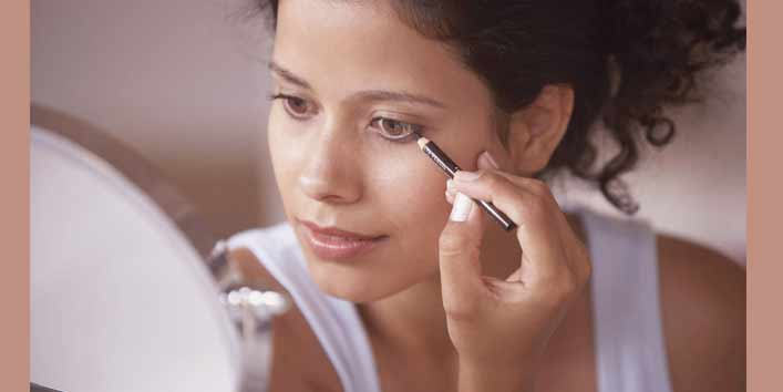 Makeup Mistakes That Can Affect Your Eyes