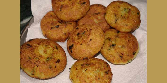 Now, How To Make Aloo Ki Tikki For Frankie