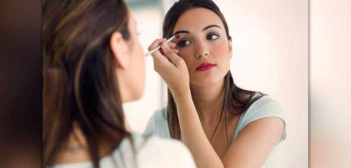 Smart Ways To Use Contact Lens Solution For Makeup