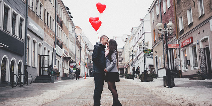 20 Valentine's Gift Ideas for Long Distance Relationships.