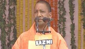 योगी आदित्यनाथ ने ली उत्तर प्रदेश के मुख्यमंत्री पद की शपथ, बनें 21वें CM