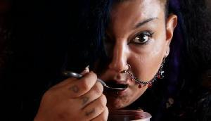 इस महिला को पसंद है 'इंसानी खून', कई सालों से पी रही है