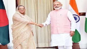 भारत ने बांग्लादेश को दिया पांच अरब डॉलर का ऋण, किया परमाणु करार