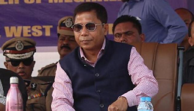 पान खाकर CM मुकुल संगमा की गाड़ी पर थूकना पड़ा महंगा