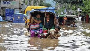 असम: इस बाढ़ में हमारी पूरी जिंदगी बह गई