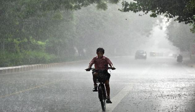 पूर्वोत्तर में एक बार फिर आंधी-तूफान के साथ बारिश के आसार